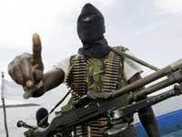 Сомалийские разбойники захватили сразу два судна
