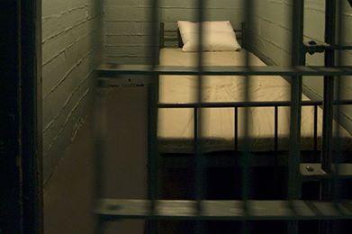 Американец, проведший 40 лет в камере-одиночке, выйдет на свободу. Тюремная камера