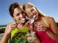 Чтобы не шатались зубы, укрепляйте десны