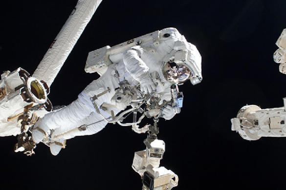 Космонавты заткнули пальцем дыру в МКС и спасли станцию. 391412.jpeg