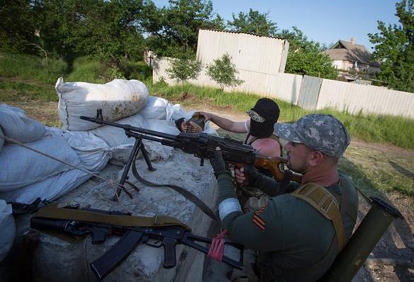 ДНР и Украина обвиняют друг друга в нарушении режима прекращения огня. На Украине нарушается режим прекращения огня
