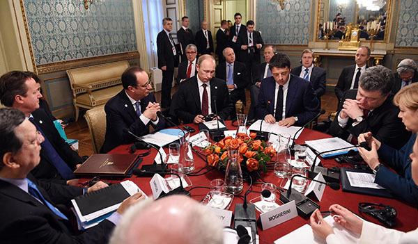Владимир Путин доволен встречей с Порошенко. 301414.jpeg