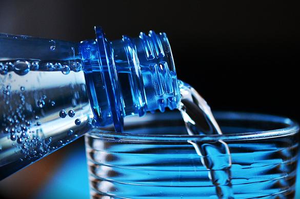 Исследование: вместе с водой люди