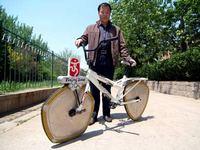 Китаец создал велосипед на разноугольных колесах