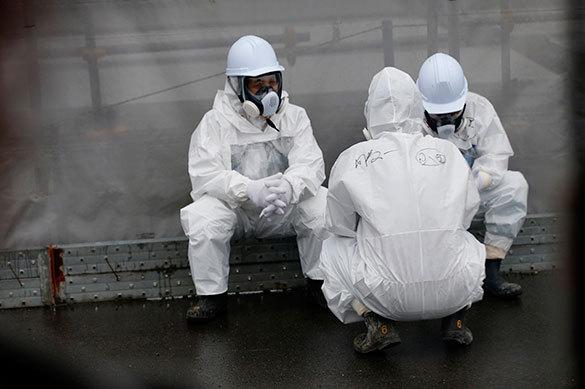 Японцев-атомщиков заперли в зараженной плутонием комнате