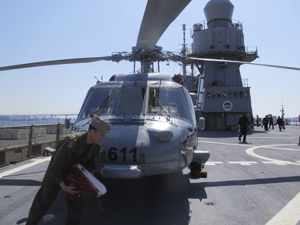 Пуганый американец и электробритвы боится…. американский флот, ВМС США, ВМФ России, военная провокация