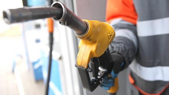 Независимые АЗС в России смогут продавать бензин на 4% дороже крупных компаний. 395421.jpeg