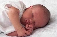 Поцелуй матери убил новорожденную девочку