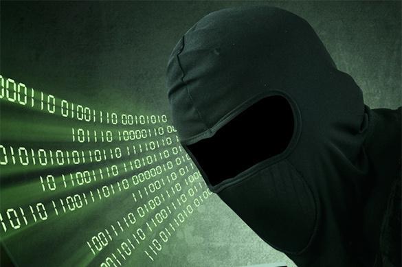 Русская агентура пробовала шпионить засоратниками Макрона через фейсбук