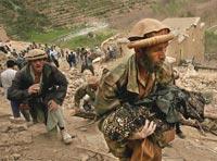 На востоке Афганистана смертник атаковал военную колонну