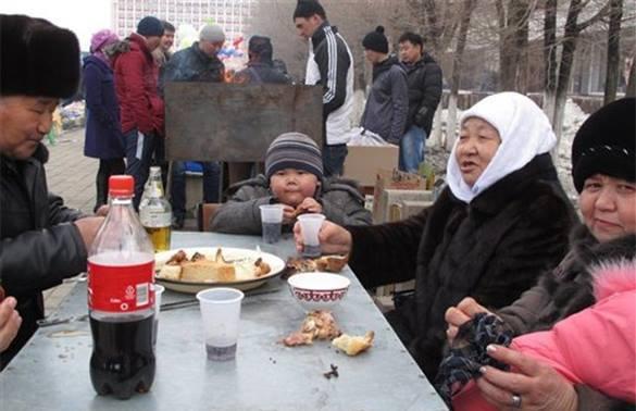 Казахстанский политолог: С Назарбаевым страна пережила самые сложные времена и готова жить дальше.