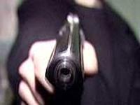 Семилетний мальчик выстрелил в брата из краденого пистолета