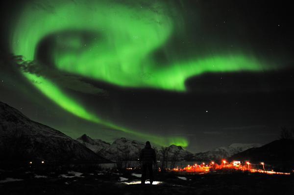 Ослепительные цветные вспышки заполонили небо над Европой и США. ФОТО. 322435.jpeg