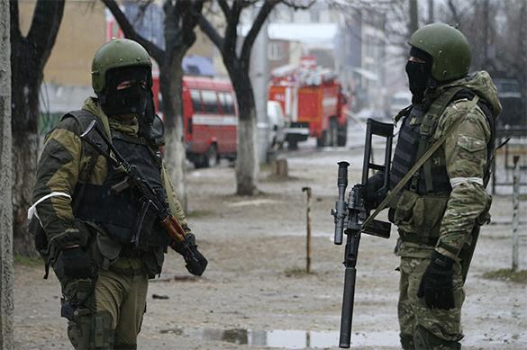 В Петербурге со стрельбой и взрывами задержали трех боевиков