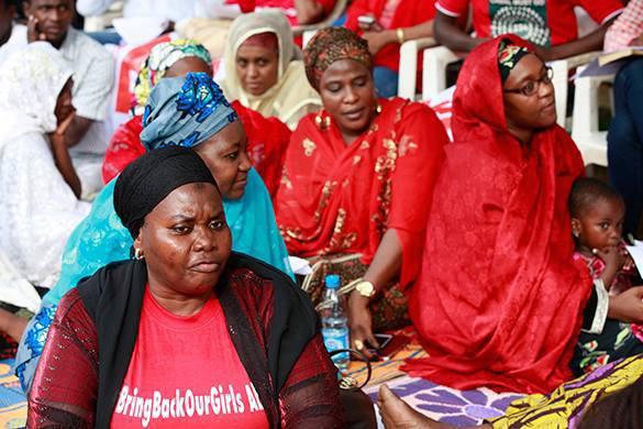 Нигерию поразил энергетический кризис. нигерийки