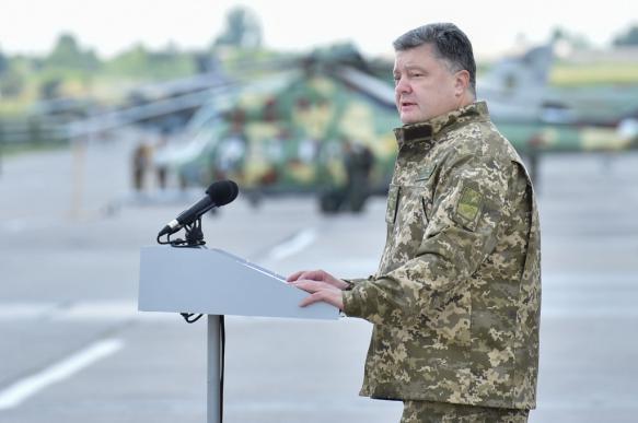 Порошенко: у границ Украины сконцентрировано 80 тысяч российских военных. 395439.jpeg