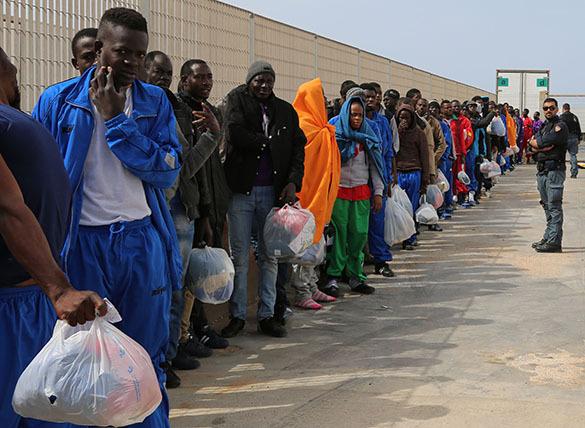 Армия Болгарии встанет на пути мигрантов через турецкую границу. Миграция