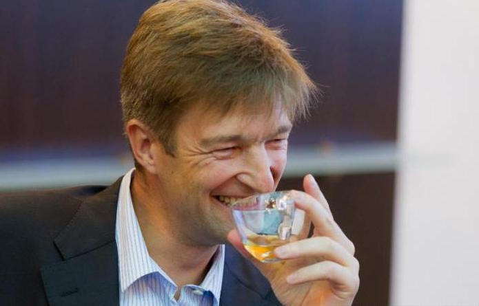 Российский бизнесмен Денис Штенгелов заработал миллиарды на сухарях и чипсах. Российский бизнесмен Денис Штенгелов заработал миллиарды на суха