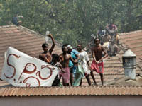 На Шри-Ланке взбунтовались заключенные. 28 раненых. Шри-Ланка