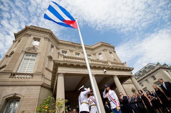 Американские дипломаты на Кубе подверглись