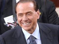 Итальянская фотомодель обвиняет Берлускони в сутенерстве