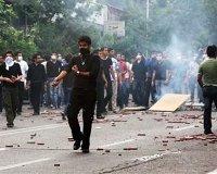 Полиция обстреляла демонстрантов в Тегеране