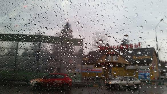 В Ростове-на-Дону борются со стихией