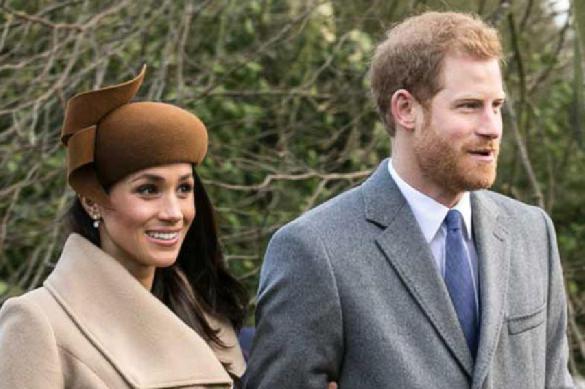 СМИ: Королева Елизавета заставила Меган Маркл отдать часть себя. 392449.jpeg
