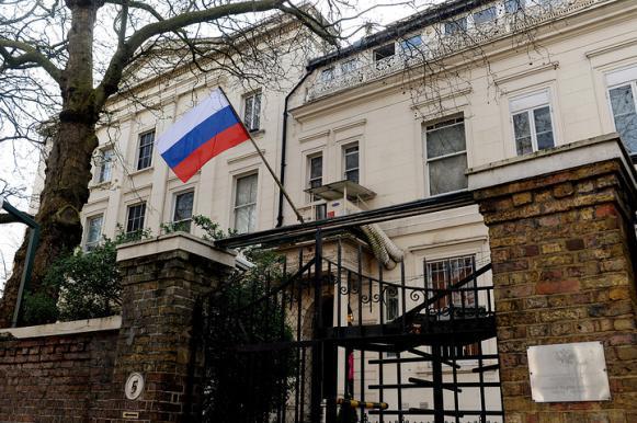 Российские дипломаты пошутили над британцами, испугавшимися омских щук. Российские дипломаты пошутили над британцами, испугавшимися омск