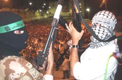 Израиль ждет помощи в борьбе с террористами,  скрывающимися вмес