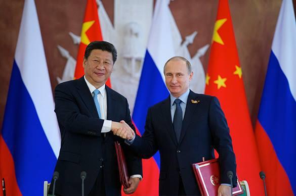 The Atlantic: Россия и Китай сближаются против главного врага - США. Председатель КНР Си Цзиньпин и президент России Владимир Путин