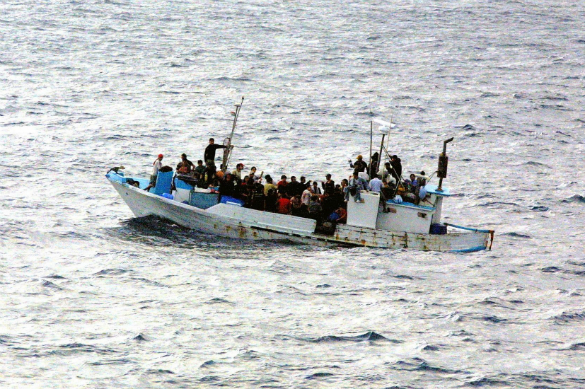 Бунт в ЕС: беженцы раскачивают лодку. Лодка с беженцами. Фото: pixabay.com