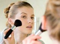 Обычно после нанесения тонального крема макияж сохраняется в