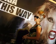Леди Гага спасет подростков от агрессии. gaga