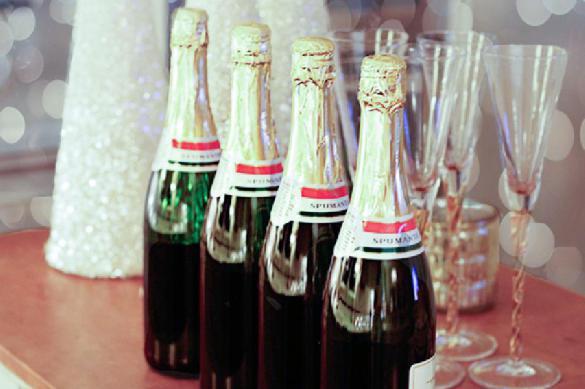 Минфин предлагает запретить дурачить россиян фальшивым шампанским. Минфин предлагает запретить дурачить россиян фальшивым шампански