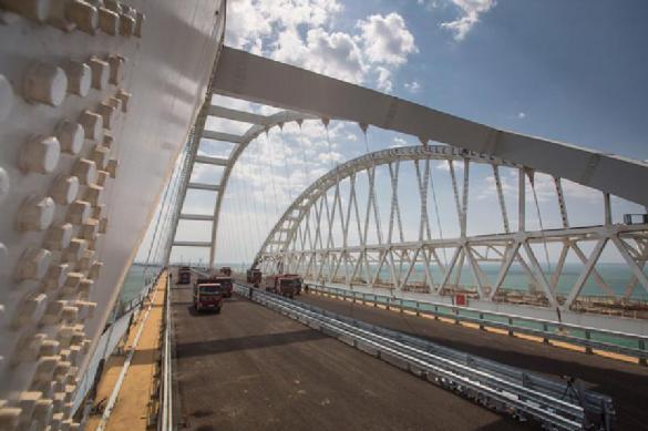 В Киеве предложили забрать у России Крымский мост как