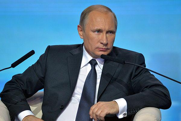 Прямая линия с Владимиром Путиным. Президент России Владимир Путин