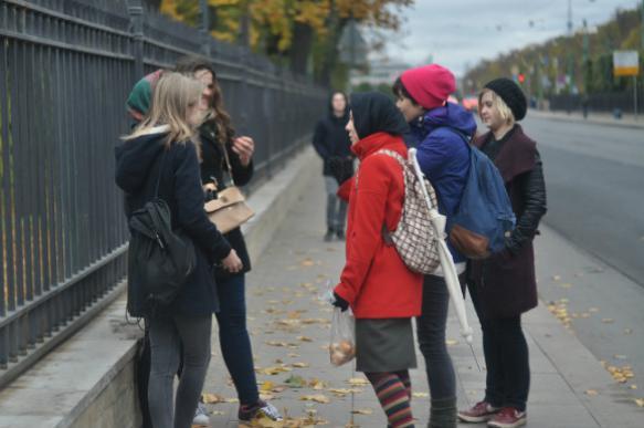 Феминистки провели протест у военкомата в Петербурге. 399459.jpeg