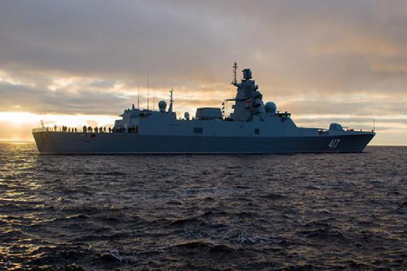 Над «Адмиралом Горшковым» на низкой высоте пролетел самолет ВМС США. 400459.jpeg