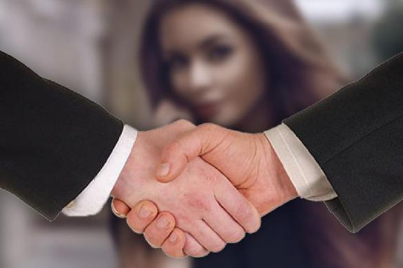 Раскрыта связь между силой  рукопожатия и успехом у женщин. 386461.jpeg