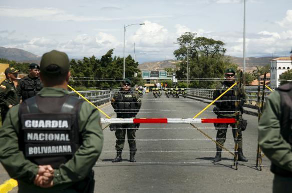 Венесуэла стягивает военных к границе с Колумбией. 399461.jpeg
