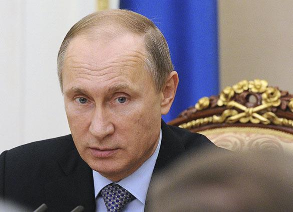 Президент России подписал закон об увеличении порога долга для запрета выезда за рубеж. 372466.jpeg