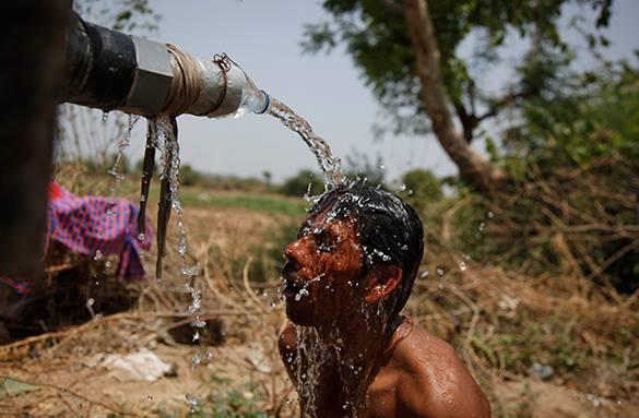 Аномальная жара убила почти тысячу человек. сильная жара в Индии