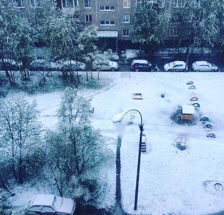 Мурманск завалило июньским снегом
