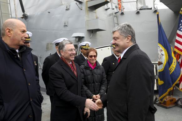Спецпредставитель госдепа рассказал о преимуществе Порошенко перед Зеленским.