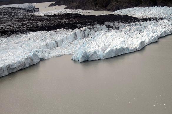 Из-за потепления на Аляске открылось место авиакатастрофы 60-летней давности. потепление на Аляске