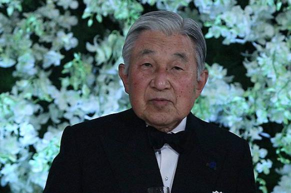 Японский император приступил к отречению от престола.