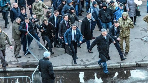 Радикалы гоняют Порошенко по Украине. Что происходит?. 400472.jpeg
