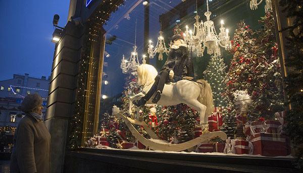 NORAD запелегновала Санта-Клауса над Москвой. Санта-Клаус побывал в Москве