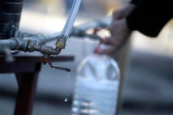Десятки тысяч человек во Львовской области остались без воды из-за долгов. вода